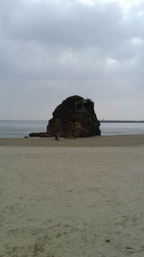 山陰(2016.3)旅行記  〜出雲・伯耆路〜  その3    稲佐の浜。由緒正しき『浜』らしい。夕日を拝むことができなかった…